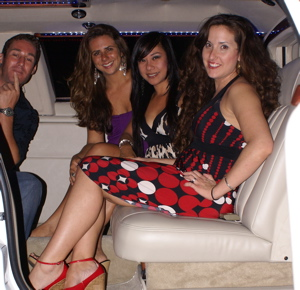 Limousine on Maui 5th door wide view